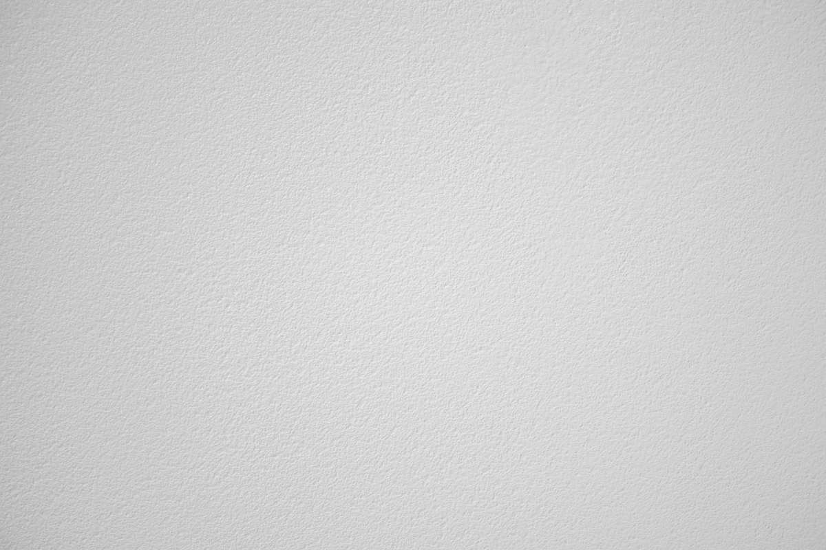 Sufit podwieszany w salonie – nowocześnie i funkcjonalnie