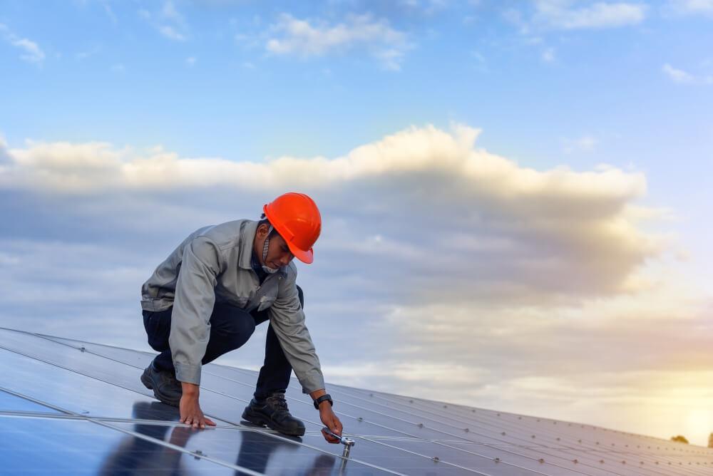 ile-energii-elektrycznej-wytwarza-panel-sloneczny