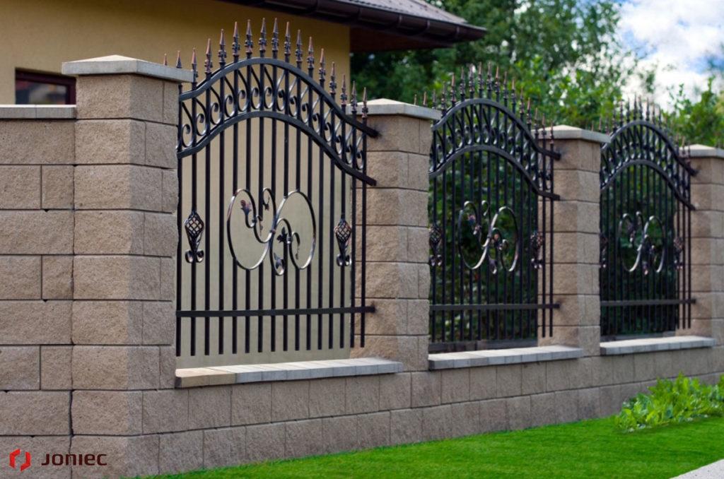 Łupane ogrodzenie zrobi wrażenie