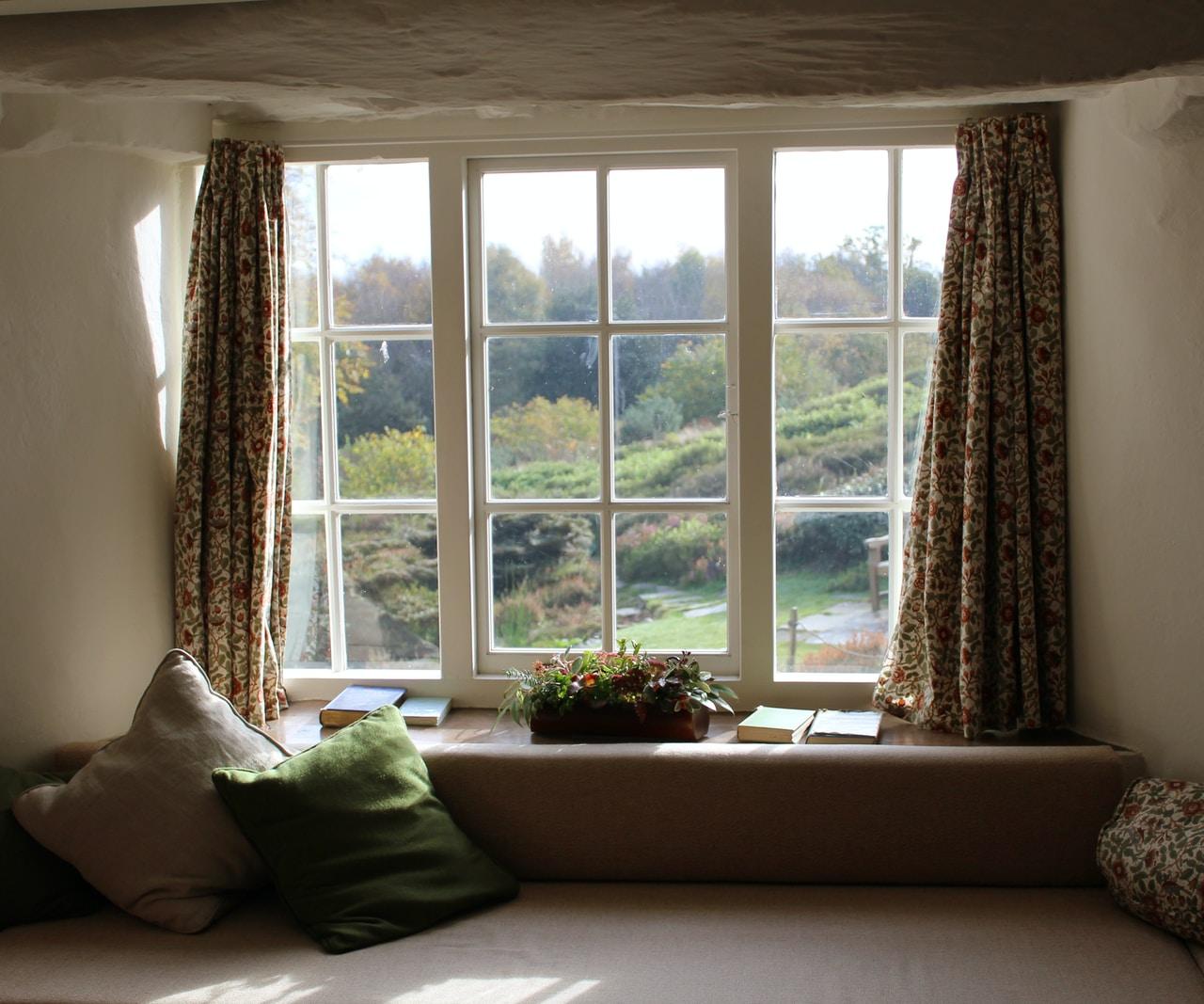 Co ma wpływ na cenę okien?