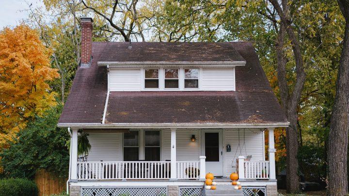 Stary dom – czy warto remontować